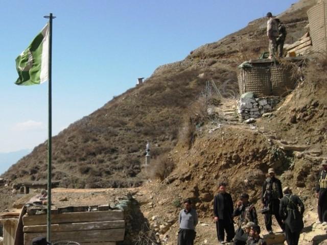 حملہ آور گذشتہ روز گرفتار کیے گئے دہشت گردوں کو چھڑوانا چاہتے تھے، آئی ایس پی آر۔ فوٹو : فائل