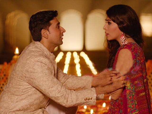 فلم کی کہانی پاکستانی لڑکے اوربھارتی لڑکی کی محبت کے گرد گھومتی ہے فوٹو: سوشل میڈیا