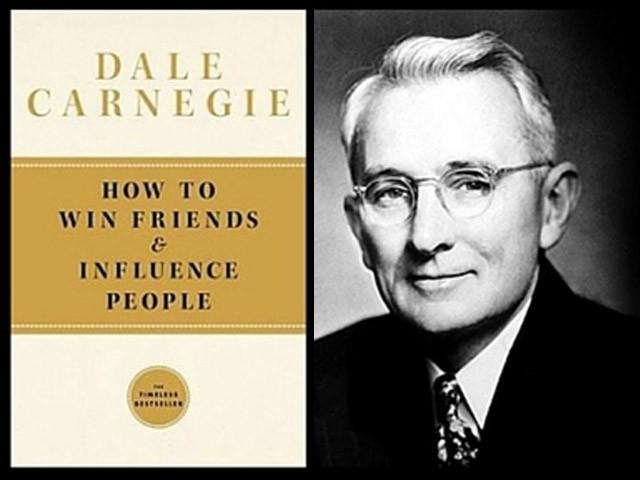 ڈیل کارنیگی کی کتاب نے مایوس لوگوں کی زندگی بدل دی۔ (فوٹو: فائل)