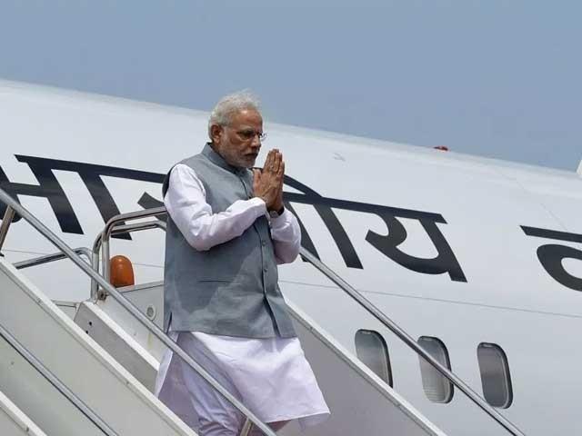 بھارتی وزیراعظم کا طیارہ کل پاکستان کی حدود سے گزر کر کرغزستان جائے گا فوٹو:فائل
