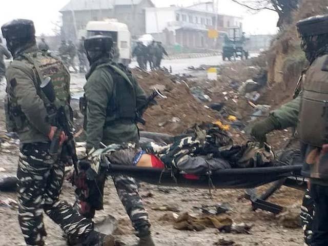سیکیورٹی فورس کی جوابی فائرنگ میں ایک حملہ آور بھی مارا گیا، ترجمان پولیس فوٹو : فائل