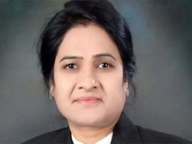 مقتولہ خاتون وکیل اور قاتل منیش شرما نے ایک ہی دفتر سے 2004 میں وکالت کا آغاز کیا تھا۔ فوٹو : بھارتی میڈیا