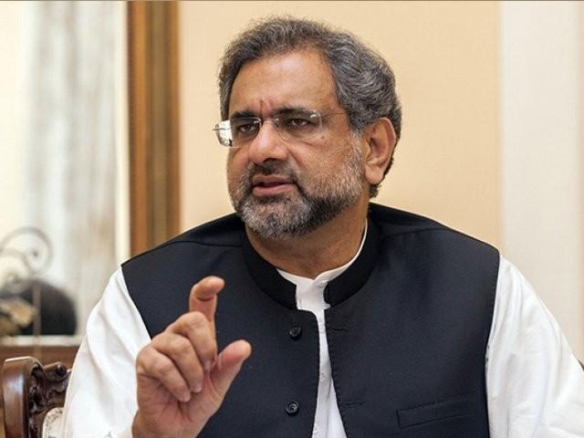 عمران خان نے دھمکی دی احتساب کروں گا، شاہد خاقان عباسی۔ فوٹو: فائل