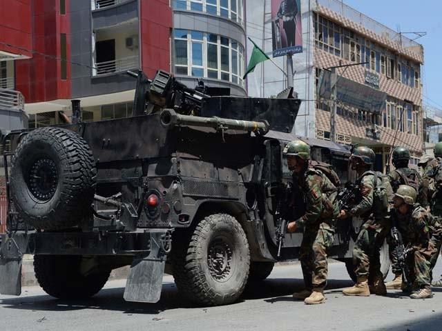خود کش حملے میں 3 اہلکار اور 6 شہری ہلاک ہوئے۔ فوٹو : فائل