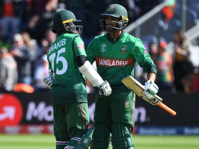 بنگلا دیش نے  322 رنز  کا  ہدف 3 وکٹ کے نقصان پر 42 ویں اوور میں پورا کرلیا۔۔ فوٹو:فائل