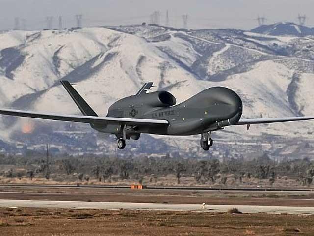 یک ہفتے قبل بھی خلیج عمان میں امریکی ڈرون کو نشانہ بناکر میزائل حملہ کیا گیا تھا  فوٹو: فائل