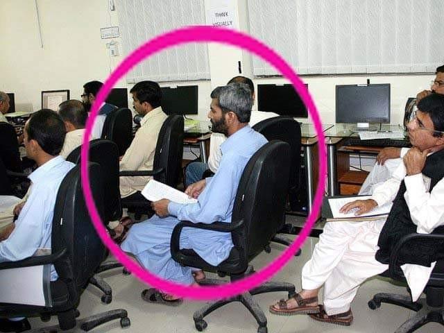 جون2011 کو خیبر سپرمارکیٹ پشاور کینٹ میں خودکش حملے میں صحافی شہید اور 8 زخمی ہوئے
