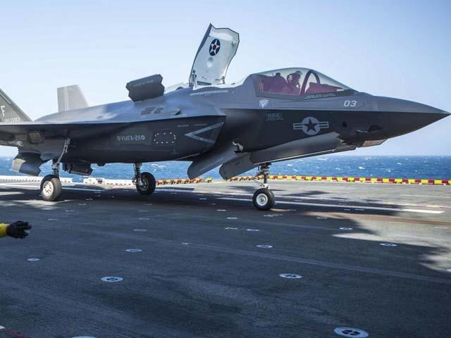 ایف-35 جنگی طیاروں نے شام و عراق میں داعش جنگجوؤں کے خلاف تربیتی مشن میں حصہ لیا (فوٹو : فائل)