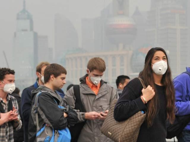 فضائی آلودگی سے وابستہ بری خبروں میں ہر نئے دن کے ساتھ اضافہ ہوتا جارہا ہے۔ (فوٹو: فائل)