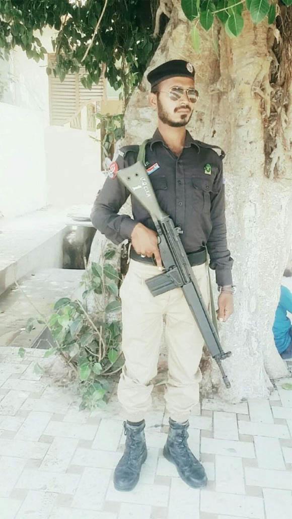 Karachi Police consteble firing 3