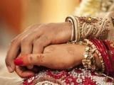 ازدواجی رشتوں کو استوار کرنے اور خانگی زندگی کو پُرمسرت بنانے کے لیے یہ بھی ناگزیر ہے کہ شوہر، بیوی کے لیے تفریح کا مناسب سامان بھی فراہم کرے۔ فوٹو: فائل