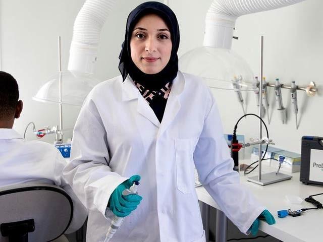 ڈاکٹر فاطمہ زہرا التراخچی  نے خطرناک امراض پھیلانے والے بیکٹیریا کی سن گن لینے والا انقلابی سسٹم بنایا ہے۔ فوٹو: پری ڈائیگنوس