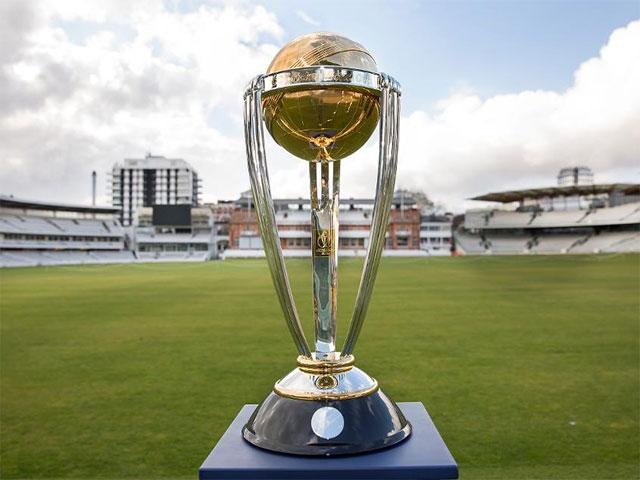 دونوں ٹیموں نے کبھی ٹائٹل نہیں جیتا،انگلش ٹیم نے 27سال بعد فائنل میں جگہ بنائی۔ فوٹو: فائل