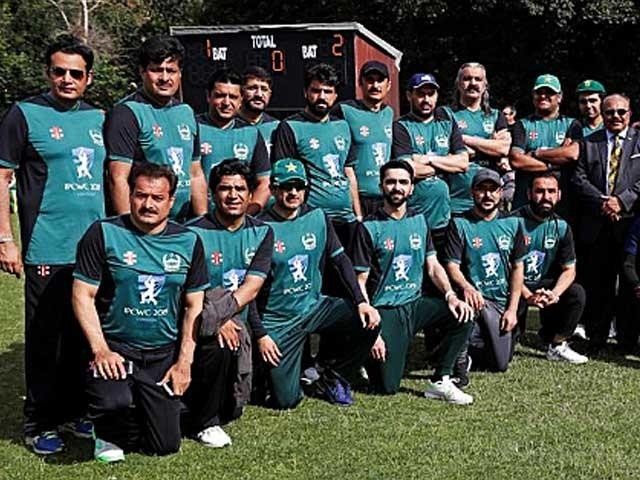 فائنل میں بنگلادیش کو9 وکٹوں سے شکست، 105 رنز کاہدف12 اوور میں پورا۔ فوٹو: سوشل میڈیا
