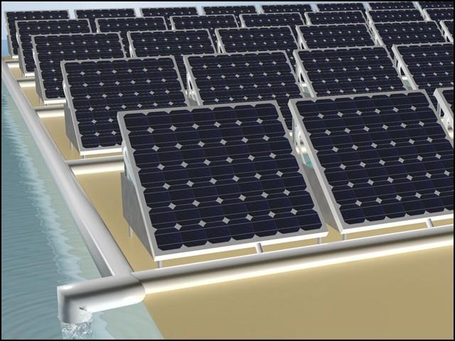 سولر پینل کی اضافی حرارت، پانی صاف کرنے کے کام میں آتی ہے۔ (فوٹو: کنگ عبداللہ یونیورسٹی، سعودی عرب)