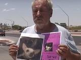 مالک نے کتے کے پوسٹر بھی لگوائے لیکن چار ماہ گزرنے کے بعد بھی اس کا کچھ پتا نہیں چلا (فوٹو: اسکرین گریب)