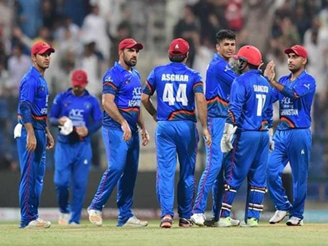 ماضی میں افغان کرکٹرز پاکستان میں ڈومیسٹک کرکٹ کھیلتے رہے ہیں ۔ فوٹو: فائل
