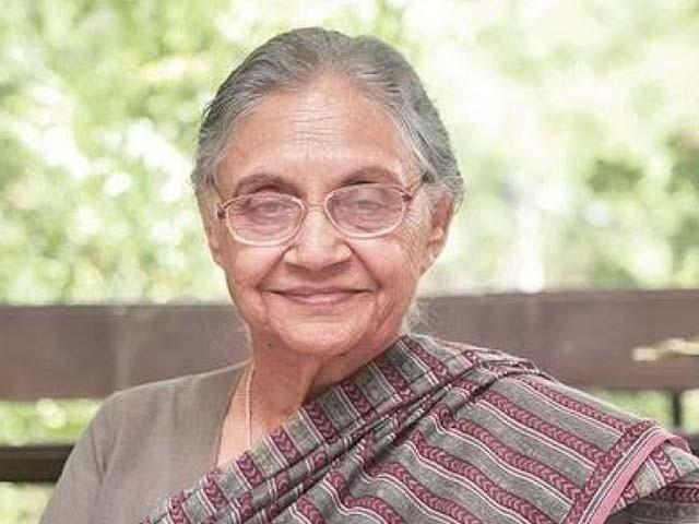 وہ 1998ء سے 2013ء تک لگاتار 15 برس دہلی کی وزیراعلیٰ رہیں (فوٹو : فائل)