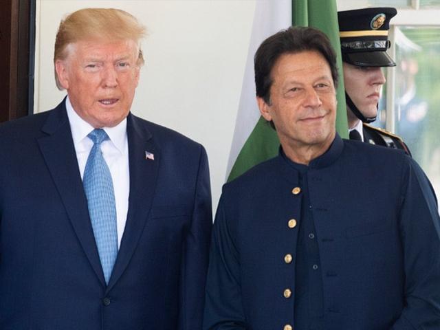 بھارتی میڈیا ایک بار پھر پاکستان اور امریکا کے درمیان تناؤ کم ہونے پر آگ بگولا ہوگیا ہے۔ فوٹو : فائل