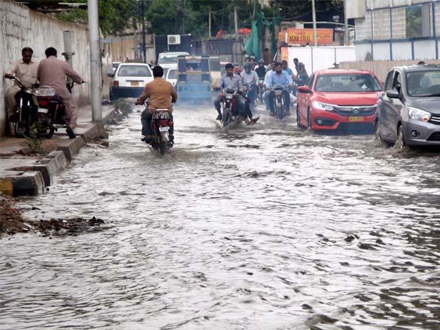 کراچی سمیت سندھ کے دیگر شہروں میں اربن فلڈنگ کا خطرہ فوٹو:فائل