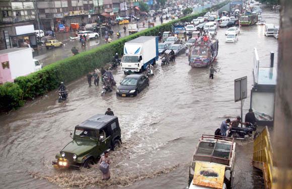 karachi Barish 2019 pic 11