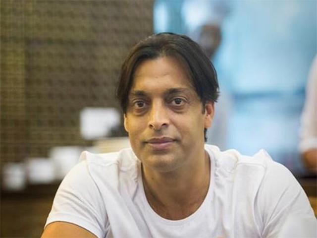 فاسٹ بولر شعیب اختر 13 اگست کو اپنی 44 ویں سالگرہ منا رہے ہیں، فوٹو: فائل