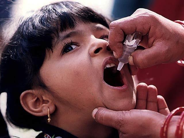 3 روزہ مہم میں 11 لاکھ بچوں کو ٹائیفائیڈ کے جراثیم سے بچاؤ کی حفاظتی ویکسین لگائی جائے گی، صوبائی مینجر ڈاکٹر ظہور بلوچ کی بات چیت۔ فوٹو: سی ڈی سی گلوبل ہیلتھ