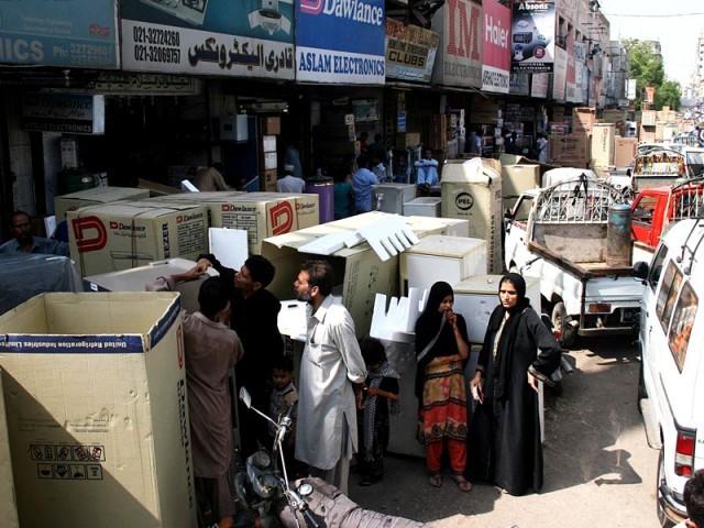 تاجر غلط سرگرمی کی اطلاع ہیلپ لائن پر دے سکیں گے،پنجاب حکومت سے ودہولڈنگ ٹیکس پر تعاون طلب۔فوٹو: فائل