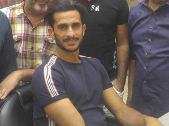 حسن علی کا نکاح بھارتی فلائٹ انجینئر سے 20 اگست کو دبئی میں ہو رہا ہے۔ فوٹو : ایکسپریس