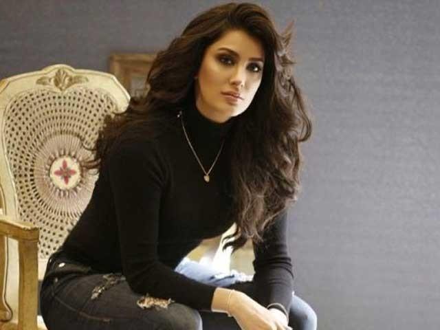 مودی نے پُرتشدد اور سخت گیر رویے کو فلم انڈسٹری میں بھی داخل کر دیا، اداکارہ (فوٹو: فائل)