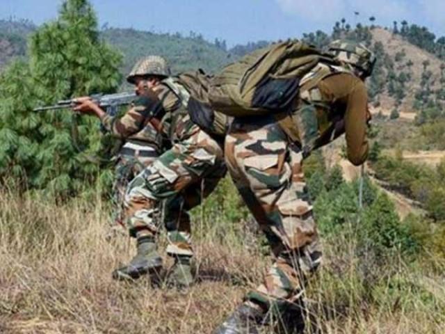 پاک فوج کی جوابی کارروائی میں دو بھارتی فوجیوں کی ہلاکت اور متعدد کے زخمی ہونے کی اطلاعات ہیں، آئی ایس پی آر۔ فوٹو: فائل