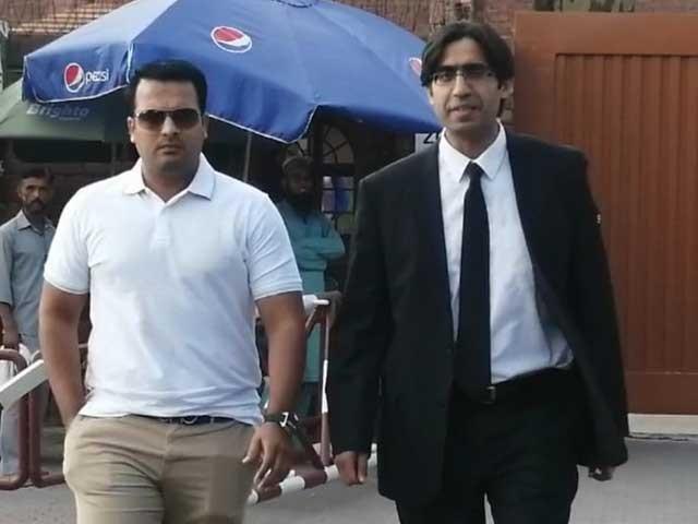 ایک غیر ذمہ دارانہ عمل کے باعث شرمندگی کا سامنا کرنا پڑا، شرجیل خان فوٹو: ایکسپریس