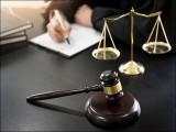 ہمارے ملک میں قانون کی عملداری اس طرح نہیں ہوسکی، جیسے ہونی چاہیے تھی۔ (فوٹو: انٹرنیٹ)