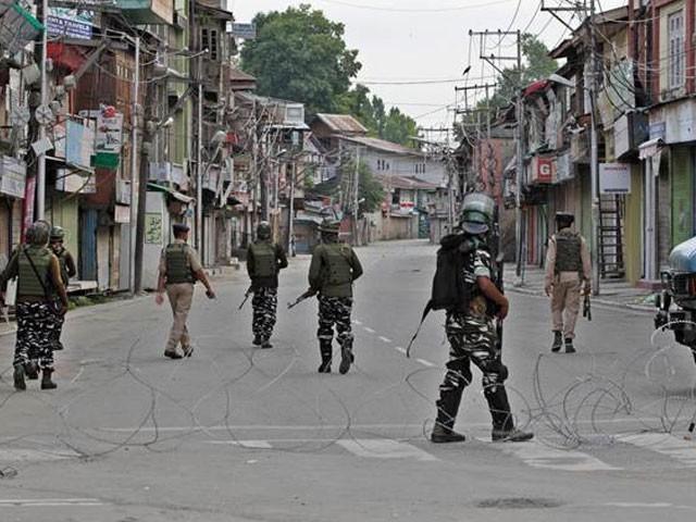 قابض بھارتی فوج نے اپنے جارحانہ اقدامات کے دوران ہزاروں کشمیریوں کو گرفتار کر لیا ہے