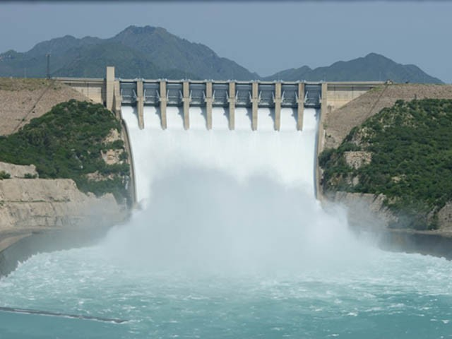 ملک میں پانی ذخیرہ کرنے کے بڑے ڈیموں میں پانی کی سطح میں مسلسل اضافہ ہورہا ہے (فوٹو: فائل)