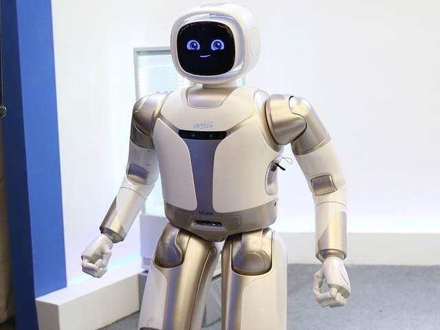 چین میں جدید ترین روبوٹ کا عالمی میلہ جاری ہے۔ فوٹو: اے ایف پی