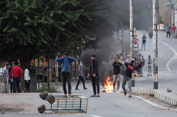 Kashmir protest in srinager 5