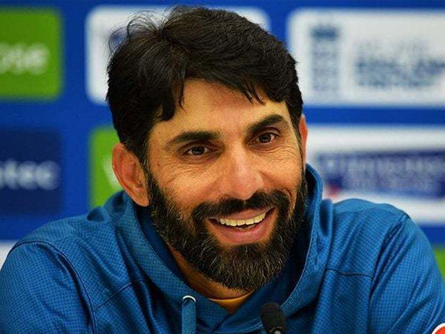 پاکستان کرکٹ میں یہی ہوتا ہے، جس کا داؤ چل جائے وہی چیمپئن۔ فوٹو: فائل