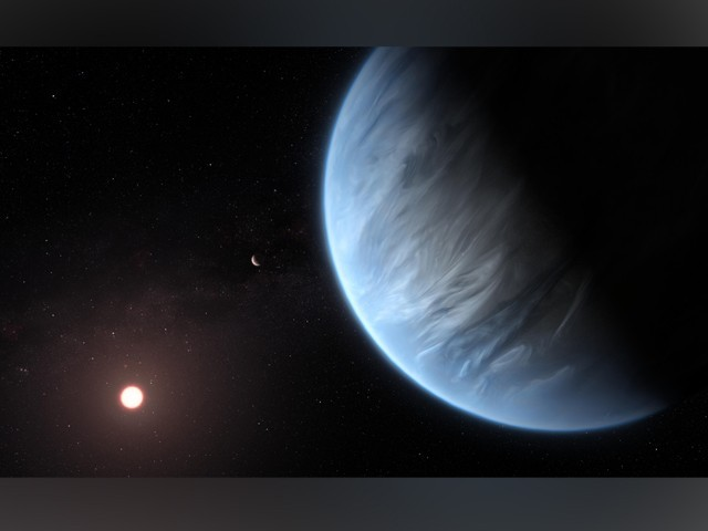 K2-18b کی خیالی تصویر: پس منظر میں اس کا مرکزی ستارہ روشن دکھایا گیا ہے۔ (فوٹو: یورپین اسپیس ایجنسی/ ہبل/ ناسا)