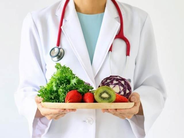 ہارورڈ یونیورسٹی کے سائنسداں ڈاکٹر ولیم لائی نے اپنی نئی کتاب میں غذا بطور دوا کے تصور پر گہری روشنی ڈالی ہے۔ فوٹو: فائل