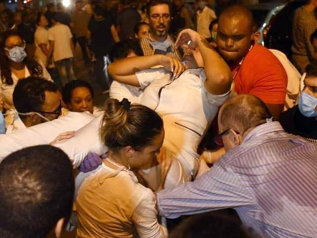 برازیل میں ریو ڈی جنیرو کے ہسپتال میں آتشزدگی سے اب تک 11 افراد کی ہلاکت کی تصدیق ہوچکی ہے۔ فوٹو: ایم ایس این