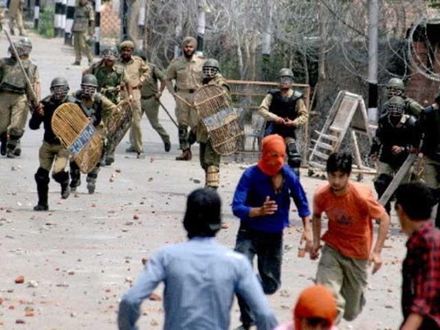 مقبوضہ جموں کشمیرکے سابق وزیراعلی فاروق عبداللہ پرپبلک سیفٹی ایکٹ لاگو کرنا بھارتی حکومت کی جانب سے قانون کی کھلی خلاف وزری ہے۔: فوٹو: فائل