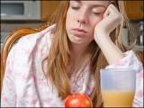 نیند کی کمی سے دو خاص ہارمون متاثر ہوتے ہیں جس سے بھوک لگنے کا عمل متاثر ہوتا ہے۔ (فوٹو: انٹرنیٹ)
