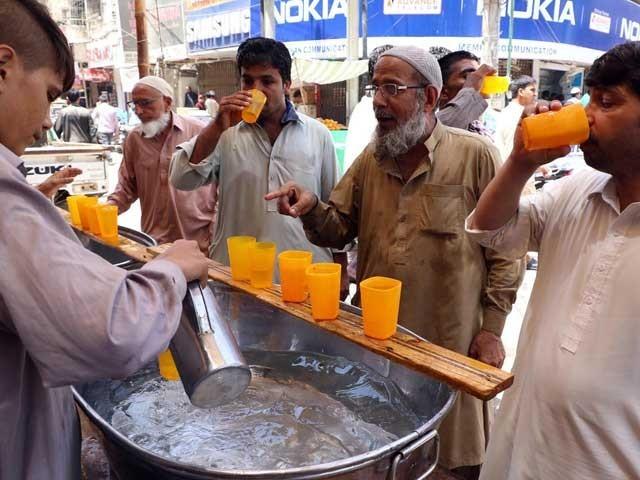 کراچی میں پیر سے جمعرات تک درجہ حرارت 38 سے 40 سینٹی گریڈ رہنے کا امکان ہے، محکمہ موسمیات فوٹوفائل