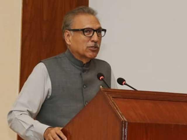 بھارت میں اقلیتوں کو دیوار کے ساتھ لگایا جارہا ہے، ڈاکٹر عارف علوی۔ فوٹو:فائل