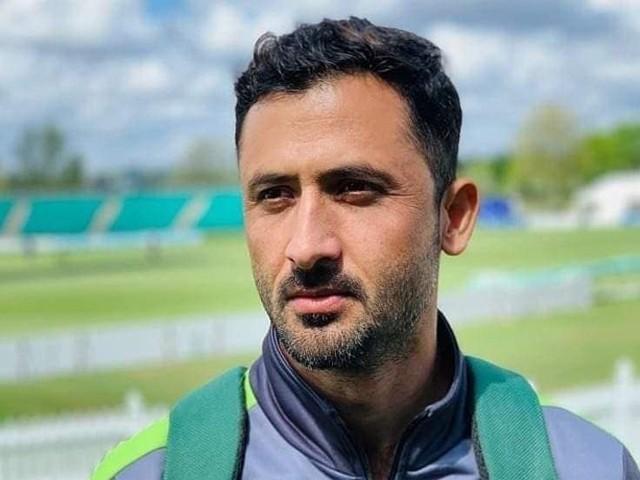 پاکستان میں جوعزت ملتی ہے وہ انگلش کرکٹر بن کر نہیں مل سکتی، جنید خان، فوٹو: فائل