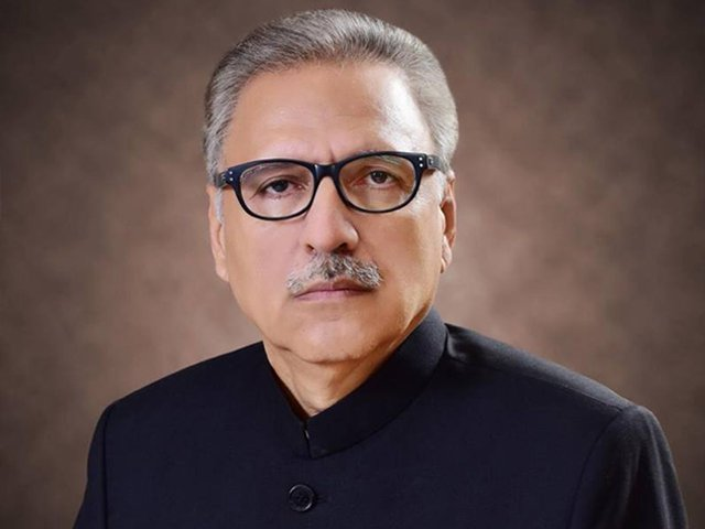 معیشت کو بہتر کرلیں تو پاکستان دنیا کے ترقی یافتہ ممالک کی صف میں ہوگا، صدر مملکت فوٹو: فائل