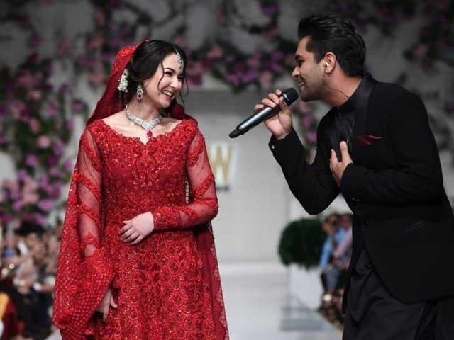 اداکارہ ہانیہ عامر اور گلوکار عاصم اظہر ڈرامہ سیریل 'پیار کہانی' میں بھی کام کررہے ہیں