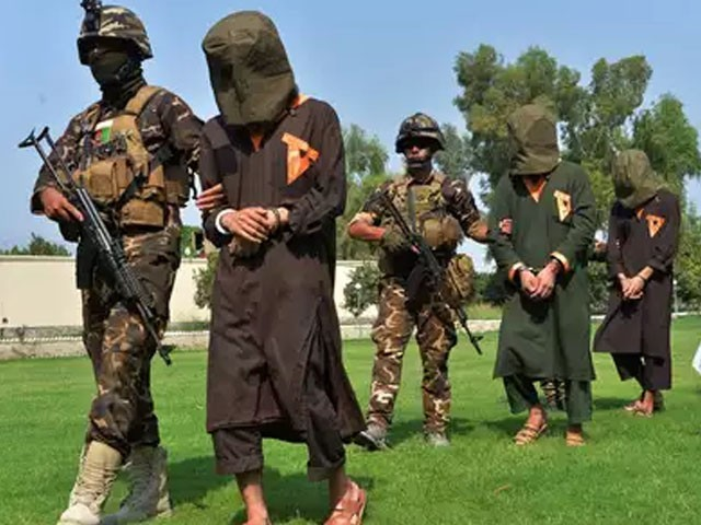 بھارتی مغویوں کی رہائی کے بدلے کابل حکومت نے 11 قیدیوں کو رہا کیا۔ فوٹو : فائل