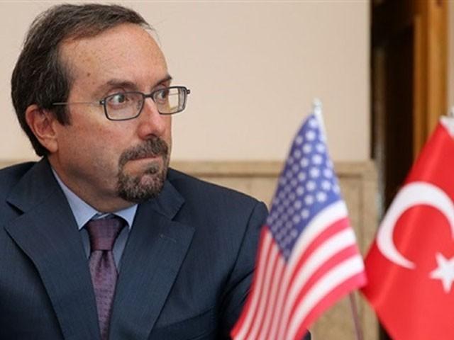 امریکی سفیر کو ترک وزارت خارجہ نے طلب کرکے ٹویٹ لائک کرنے پر وضاحت طلب کرلی۔ فوٹو : فائل